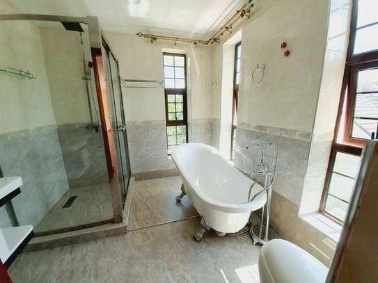 4 bedroom house for rent in New Kitusuru image 15