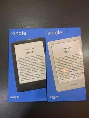 Amazon Kindle 8 image 1