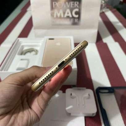 Apple Iphone 7 Plus | Gold 256 Gigabytes image 2