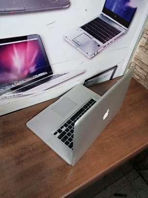 MacBook pro 13 image 2