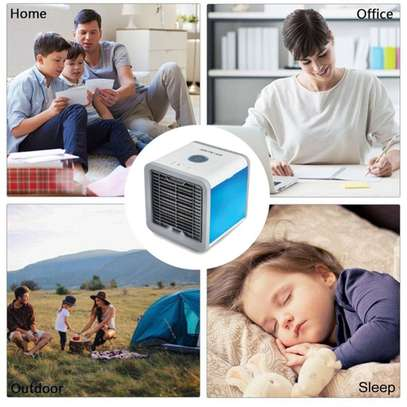Arctic Arctic Air-1 Portable Energy Efficient Evaporation Cooling /Mini Air Conditioning USB Fan /Air-cooler Purifier with 3 Speed Modes,Built in LED Light image 1