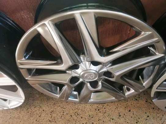 Size 20 rims for Toyota V8 image 2