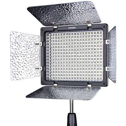 Yongnuo video light image 1
