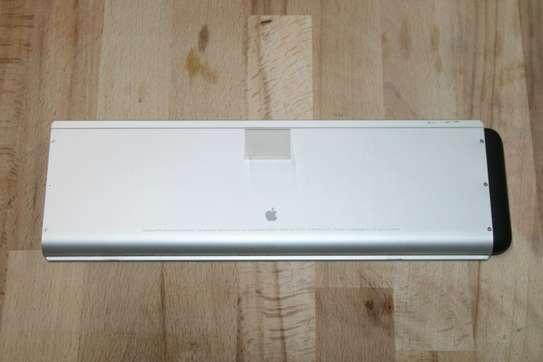 Original Apple Macbook Pro Aluminum Unibody A1281 Battery image 6
