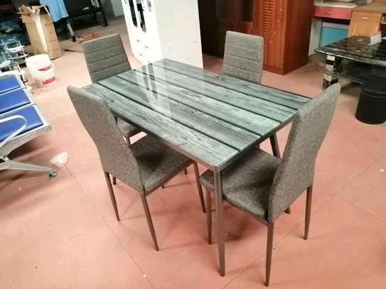 Dinning table trendy image 1