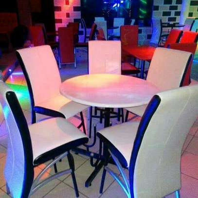 Club and restaurant table set image 1