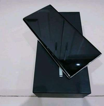 Samsung Galaxy Note 10 Plus [ 512 Gigabytes ] With Charging Pad image 3