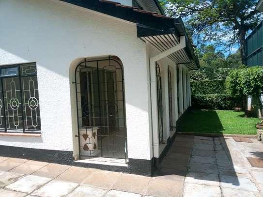 6 bedroom to let in kileleshwa image 1
