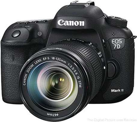Canon EOS 7D Mark II DSLR 20.2MP 10fps 18-135mm Camera with Lens W-E1 Wi-Fi Adapter