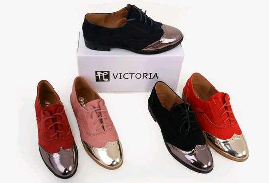 flat shoes image 2