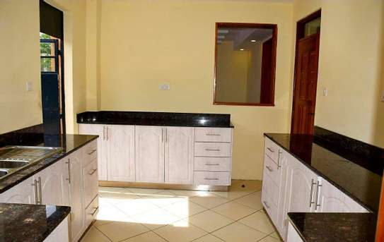 Ongata Rongai 6 Bedroom Maisonette image 3