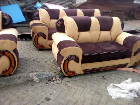 5-seater readily available sofa image 1