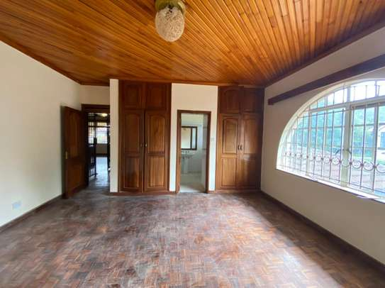 5 bedroom house for rent in Gigiri image 7