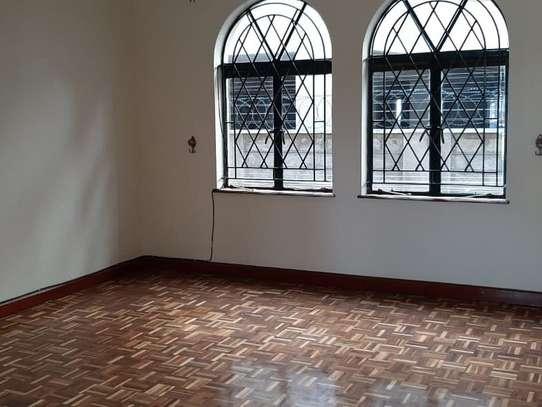 4 bedroom apartment for rent in Rhapta Road image 6