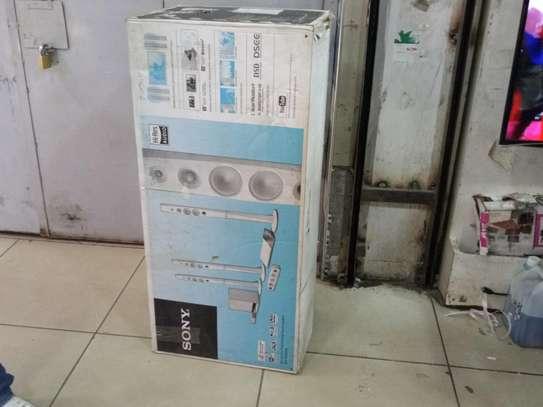 WHITE Sony BluRay 3D Smart 4K Hometheatre Model N9200 with 1200Watts 4 Tall Speakers Brand New image 1