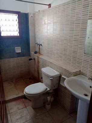 4 br house for rent in Nyali inside a gated community image 8