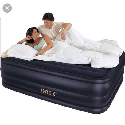 Inflatable Airbed image 1