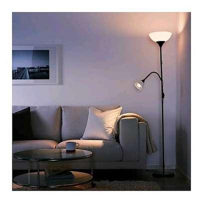 Floor uplighter/reading lamp