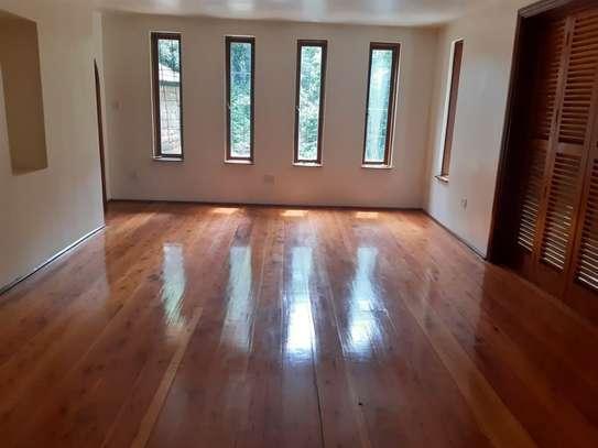 Furnished 6 bedroom house for rent in Karen image 18