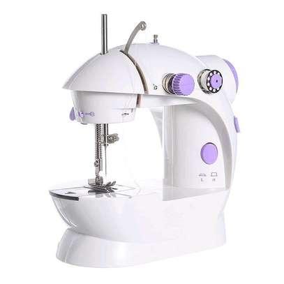 White mini sewing machines image 3