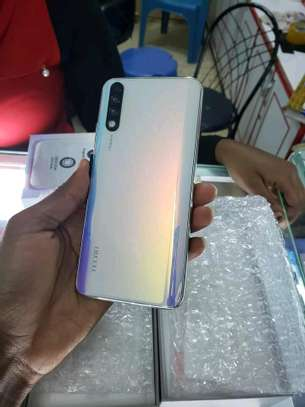 mobile phones tecno phantom 9 image 2