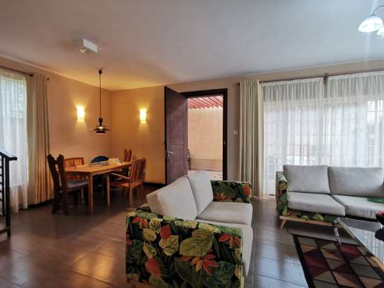 2 bedroom townhouse for rent in Nyari image 10