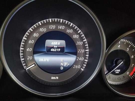 Mercedes-Benz E250 image 4
