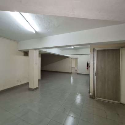 464 m² office for rent in Kilimani image 7