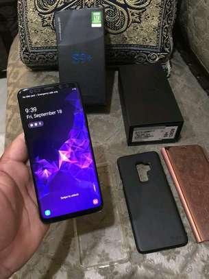 Samsung Galaxy S9 Plus [ 256 Gigabytes ] With Charging Pad image 1