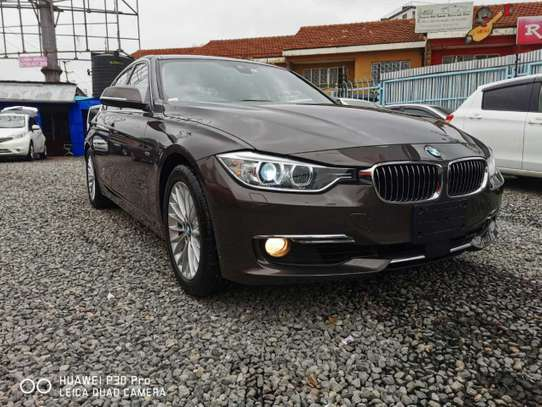 BMW 320i Exclusive Automatic