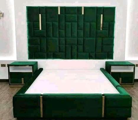 New modern tufted Kings size bed image 1