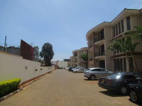 General Mathenge - Flat & Apartment image 3