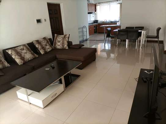 Romantic fully furnished 2 bedrooms to let at kilimani image 2