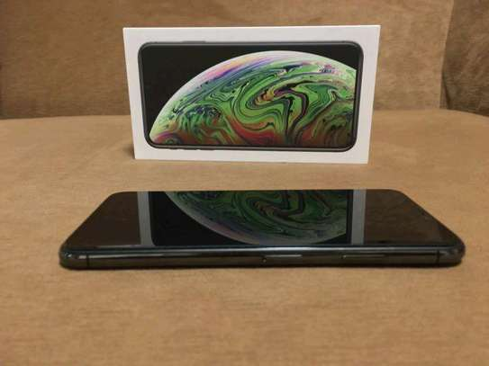 Apple Iphone Xs Max  : 512 Gb Black & Iwatch Series 3 ( gps and cellular version ) image 2