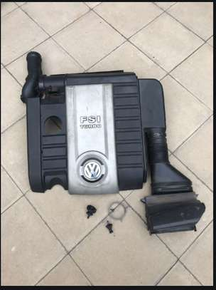 Original MK5 GTI Engine Cover and Airfilter image 3