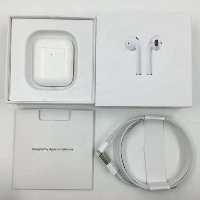 Apple Airpods 2 image 4