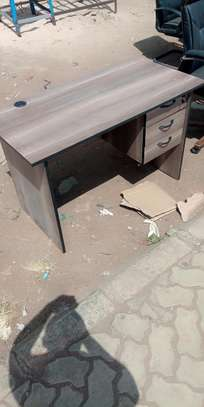 Four foot long office desk with spacious drawers image 1