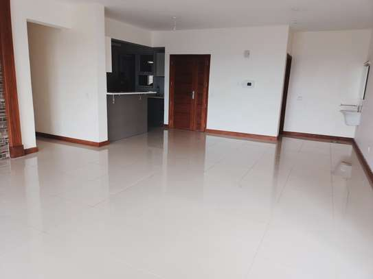 4 bedroom apartment for rent in Parklands image 10