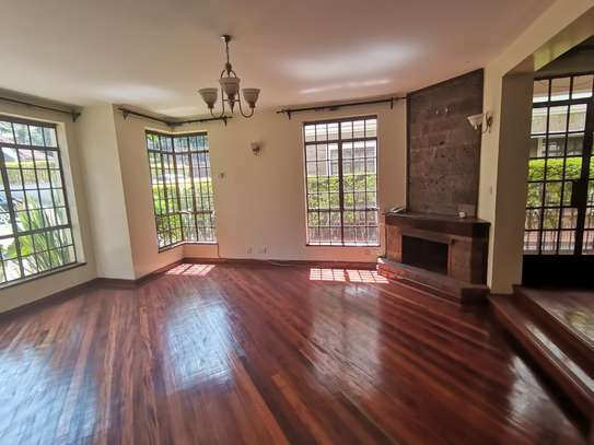 CLEAN AND SPACIOUS 5BEDROOM TOWNHOUSE WITH DSQ image 4