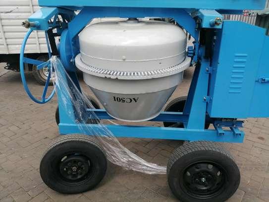 500l Concrete Mixer image 1