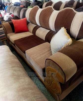 Classy Sofas Box Design image 2