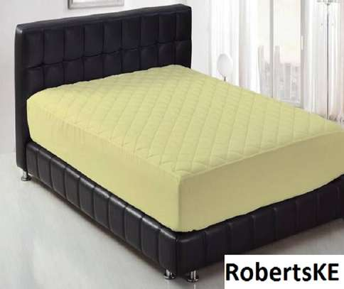 Breathable colored mattress protector 6by6 image 5