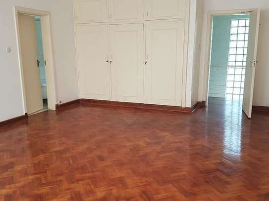 5 bedroom house for rent in Rosslyn image 7