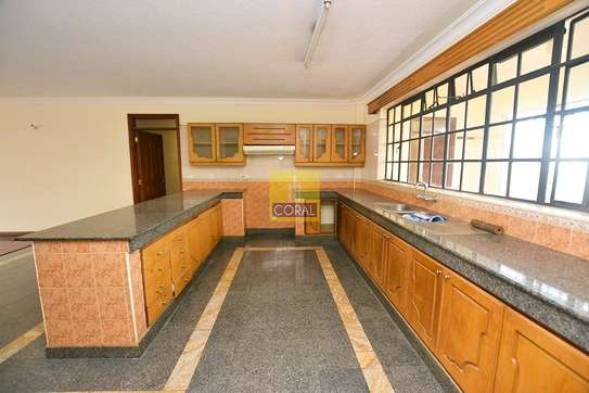 3 bedroom apartment for rent in Lavington image 4