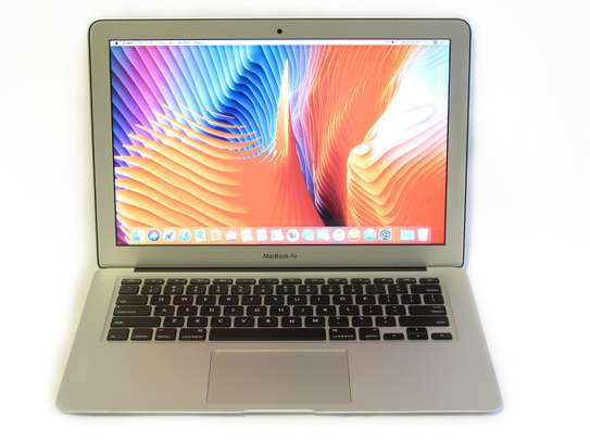 MacBook Air 2017 Intel Core i5 image 2