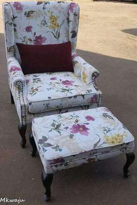 Wing Chair Plus Table image 1