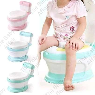 Baby potty trainer image 3