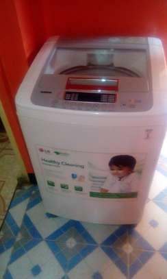 LG Turbodrum Washing Machine image 1