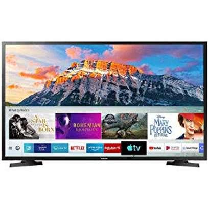 Samsung 40 inch smart 40T5300 Tvs image 1