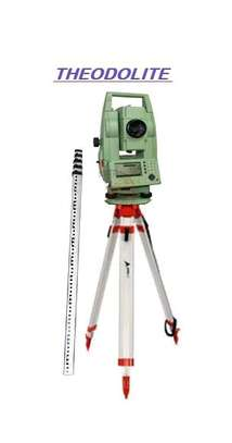 Total station machine image 1